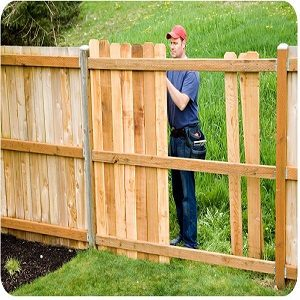 What Are The Key Benefits Of Hiring A Professional Timber Fence Contractor?